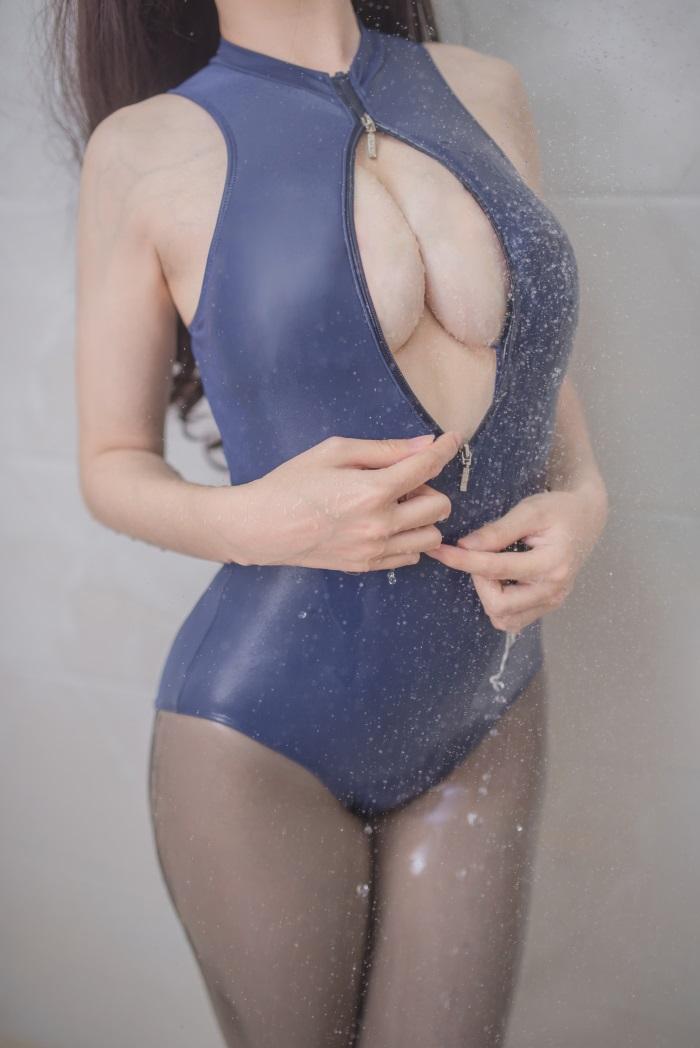 ⭐微博红人⭐白金Saki-coser浴室死库水[21P/132MB]插图(2)