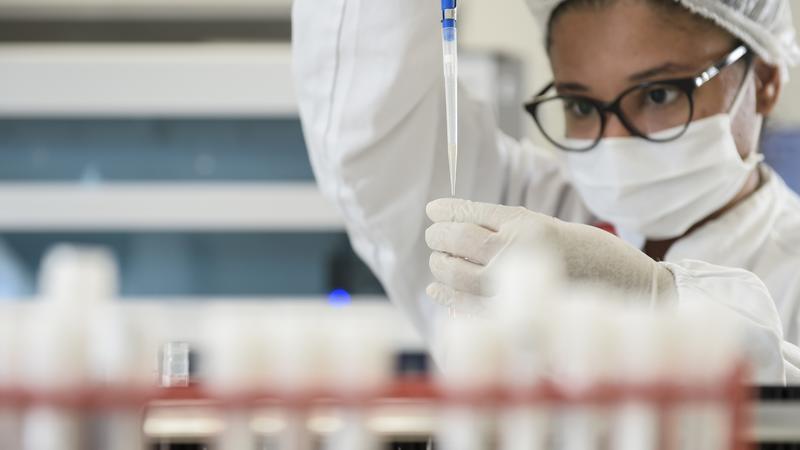 《自然》最新研究:轻度感染新冠,可持久获得保护性抗体