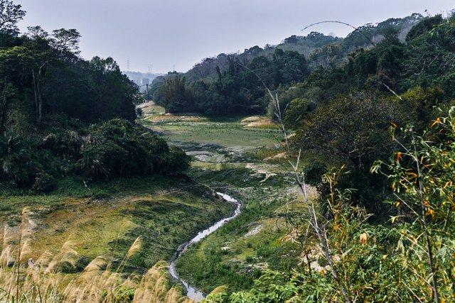 新竹宝山水库。 政府已尝试在水库上方促进云层的形成以抵抗干旱。