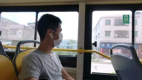 挑战坐公交从广州到上海的第一天,坐了8个小时左右,一百多站路
