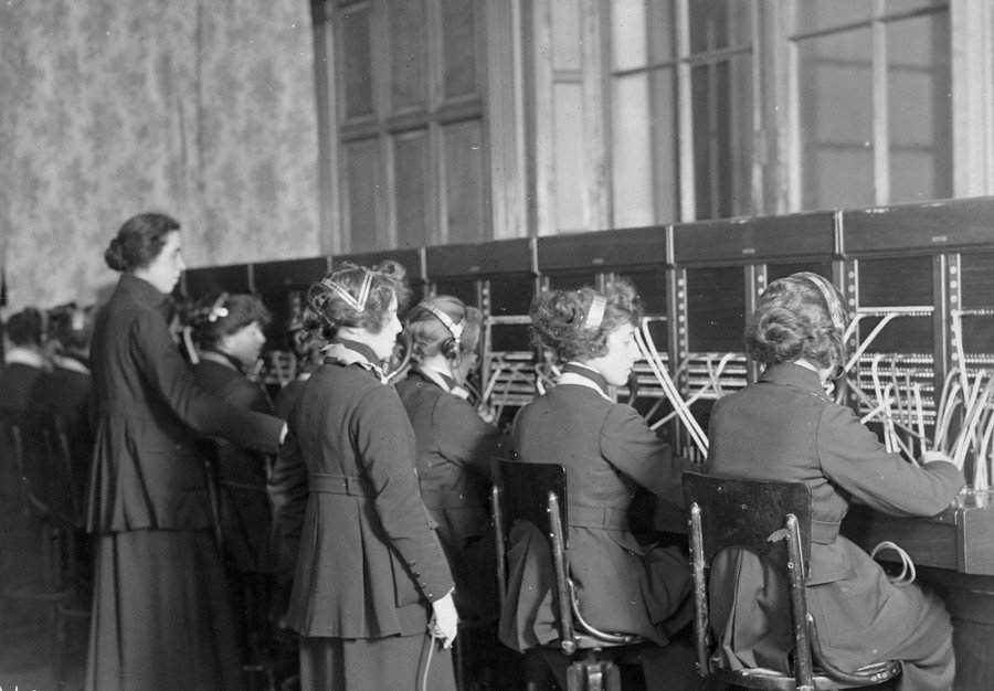 Telephone operators at work, in the Hotel Crillon, in Paris, France, on March 10, 1921.