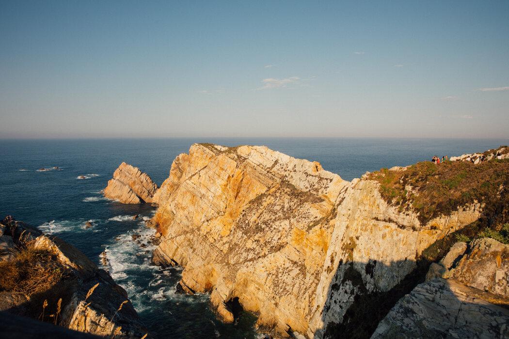 佩尼亚斯角位于阿斯图里亚斯的最北端,有着引人注目的悬崖峭壁。