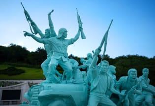 """光州阴谋论、""""历史扭曲""""和韩国言论自由之争"""