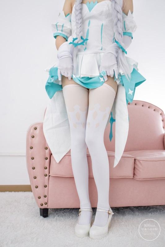 ⭐丝模写真⭐森萝财团 – 有料 NO.010 出镜:小奶糕Milky [74P/975MB]