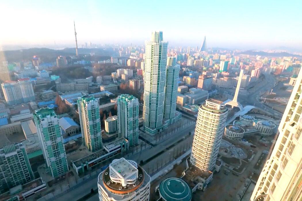 去年3月上传到 Echo of Truth 的一段视频展示了平壤的城市景观。