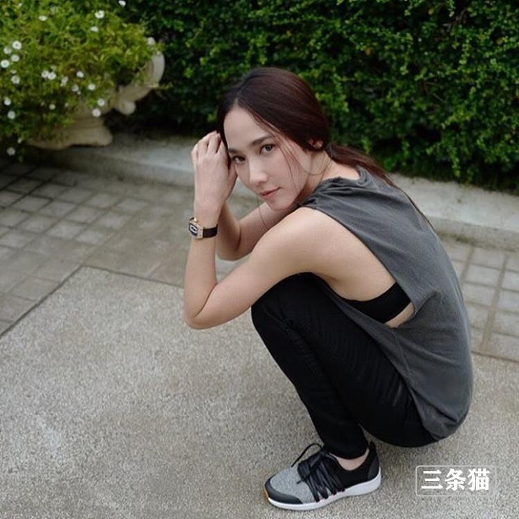 吴清雅(娜塔丽雅)近况曝光,长腿美胸吸粉无数 作品推荐 第2张