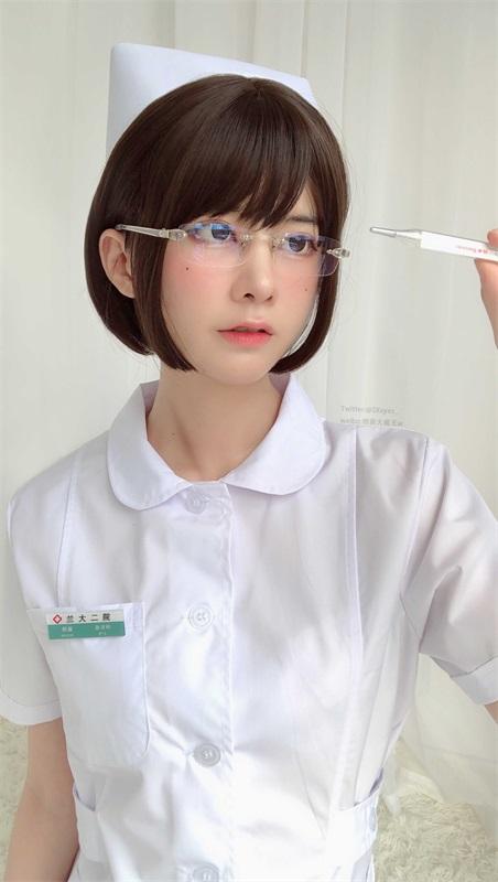 ⭐cos套图⭐眼酱大魔王w NO.022 白护士 [19P-63MB]插图1