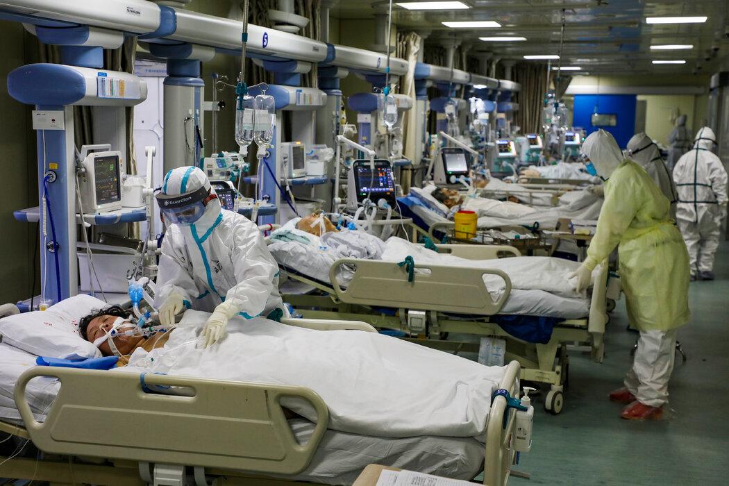 2月,武汉一家医院的新冠专用ICU病房。