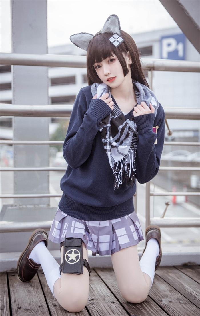 ⭐微博红人⭐美女写真你的负卿@cos95制服[15P/169MB]插图