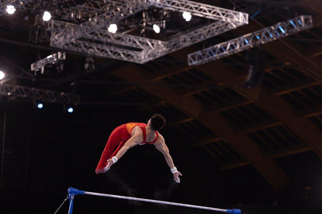 中国体操男团获得铜牌,图为运动员孙炜。