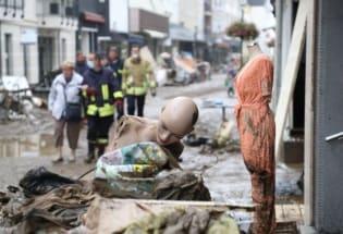 气候变化:热浪、洪水肆虐,科学家极端天气预测不准全因没有它