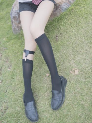 【兔玩映画】 小清新美女草坪上的小细腿诱惑写真 VOL.060(40P)