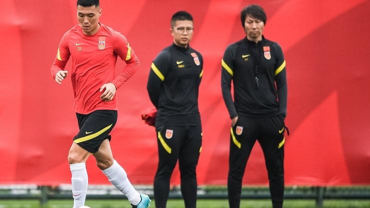 国足12强赛对手确定,郑智郜林引关注,李铁还会考虑他们吗?