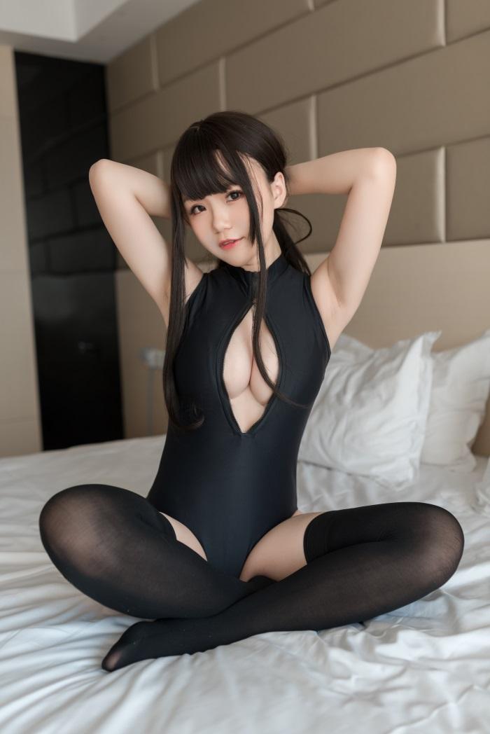 ⭐微博红人⭐Yoko宅夏@cos–开胸泳衣2[28P/123MB]插图2