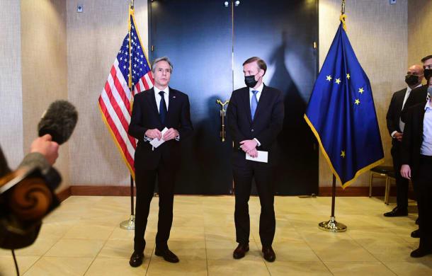 国务卿安东尼·布林肯(左)和国家安全顾问杰克·沙利文与中国官员举行了两天的艰难会晤。
