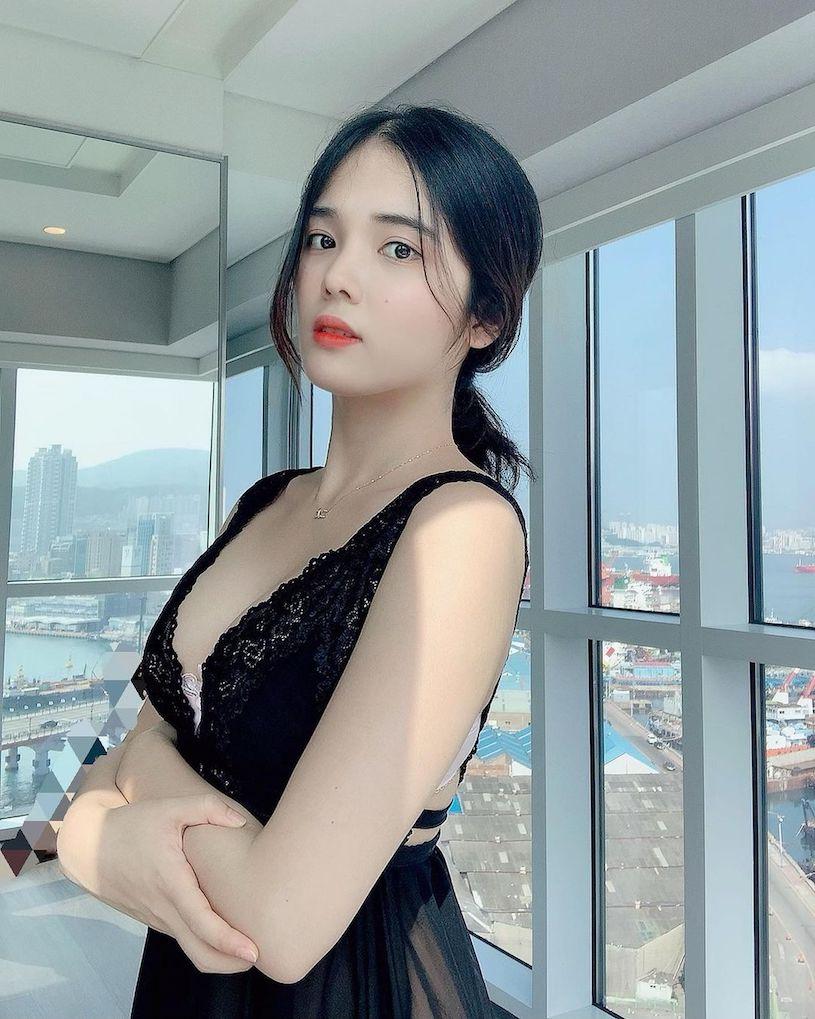韩国纯情妹子@ 유 주性感图片,蓝色内衣爆乳画面很震撼 文章 第4张