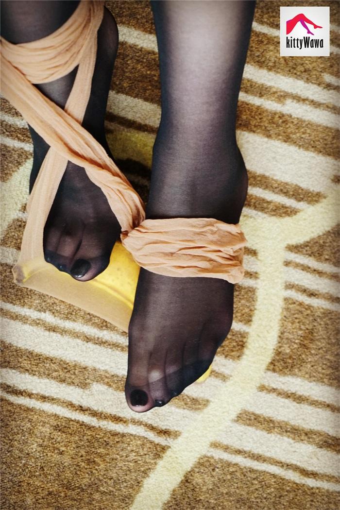 ⭐kittyWawa袜小喵⭐KT011《香蕉丝袜》[99P/23MB]插图2