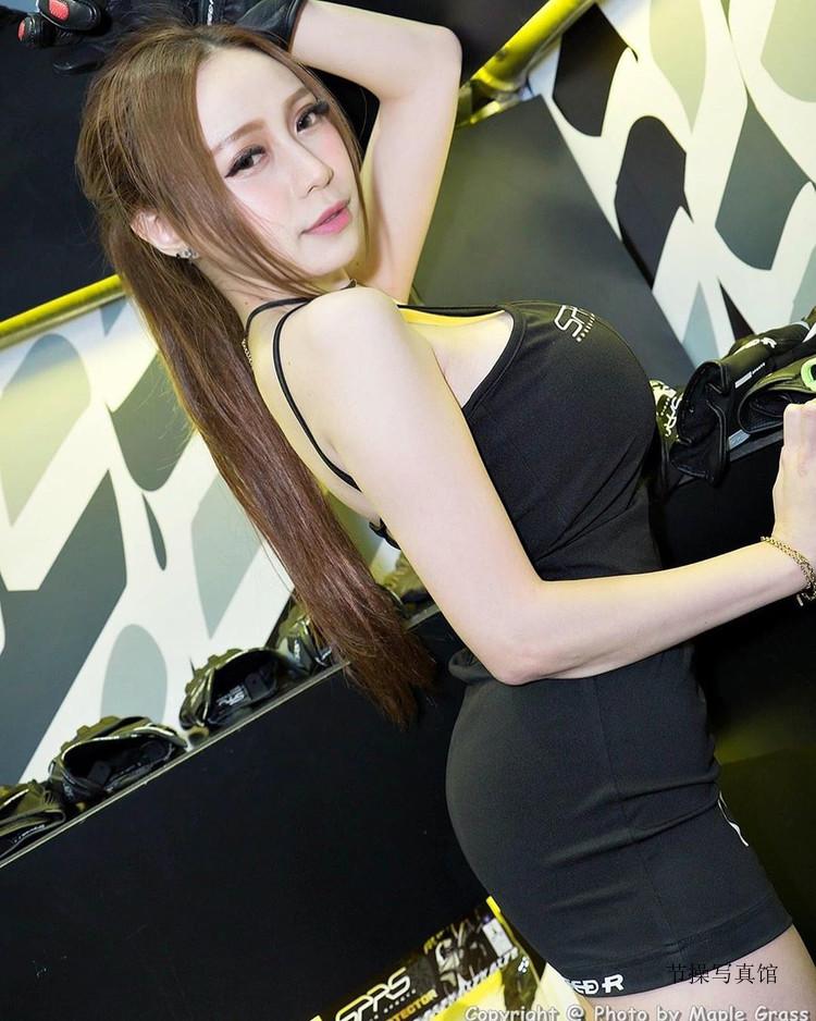 I乳神乳@语昕TOKKI超性感写真,撒娇卖萌挑战人理智线