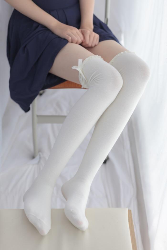 ⭐少女秩序⭐美丝写真-VOL.008白丝长筒袜[41P/183MB]插图(1)