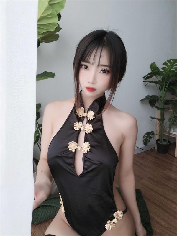 ⭐微博红人⭐鬼畜瑶在不在w -cos福利图片@NO.036 黑色短款旗袍[35P1V-131MB]插图1