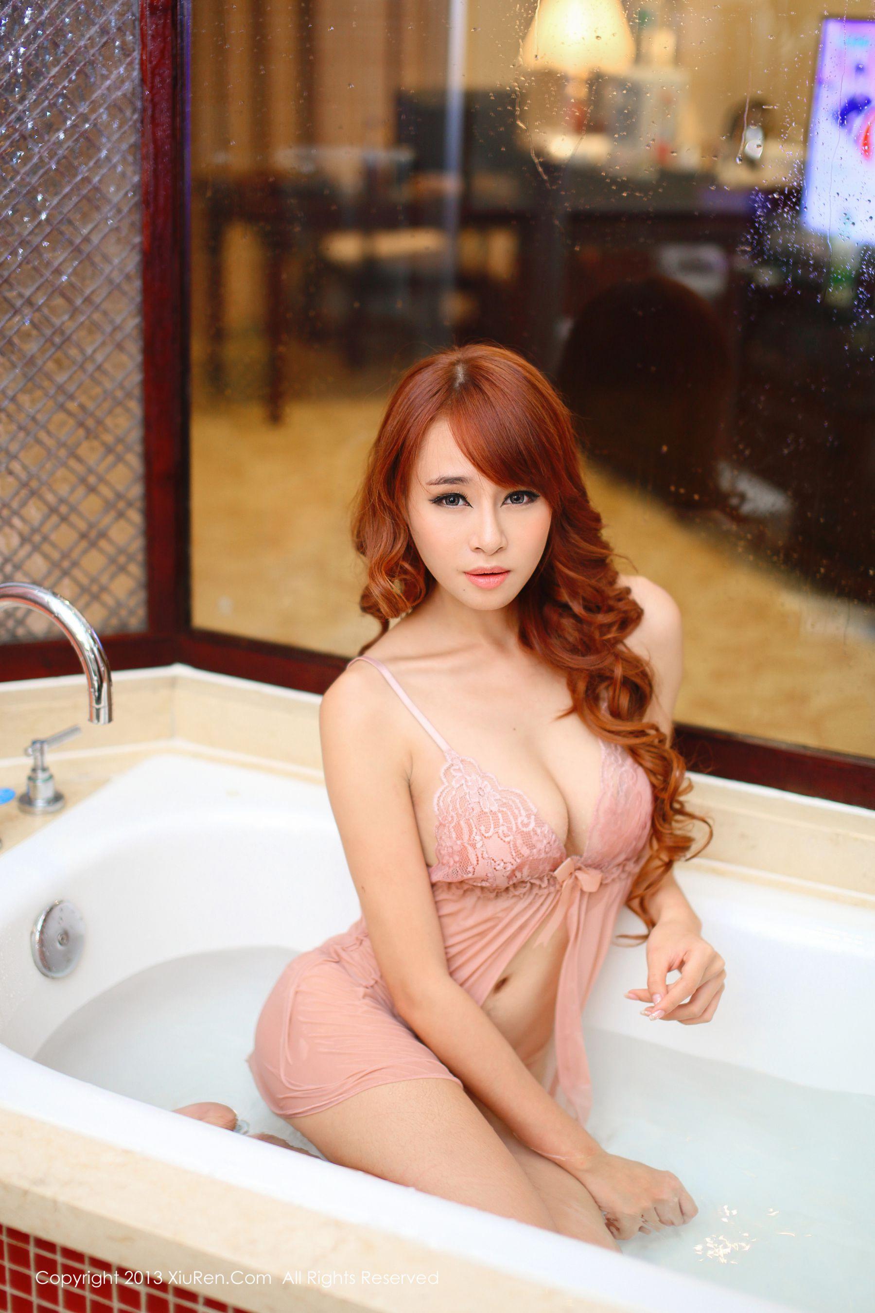 ⭐秀人网⭐写真图片@xiuren-013 旗袍黑丝+睡衣湿身 黄婧GIGI 41P