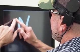 科幻成真:直连摄像头的脑接口让盲人看到了事物