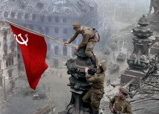 """为世界大战老照片着色 俄罗斯艺术家希望再现历史""""真实瞬间"""""""