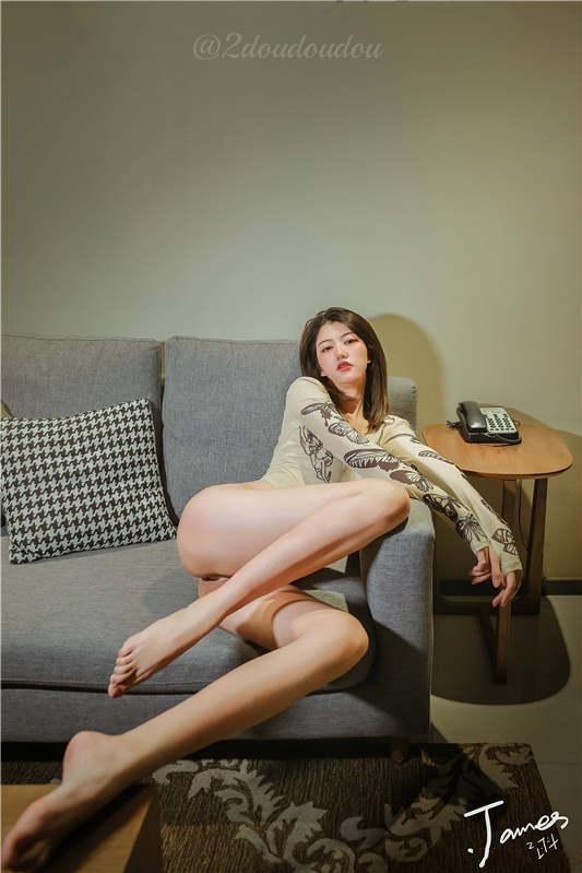 图片[2]-来自抖叔拍摄的人类高质量长腿女性 [340P/1V/434MB]-醉四季
