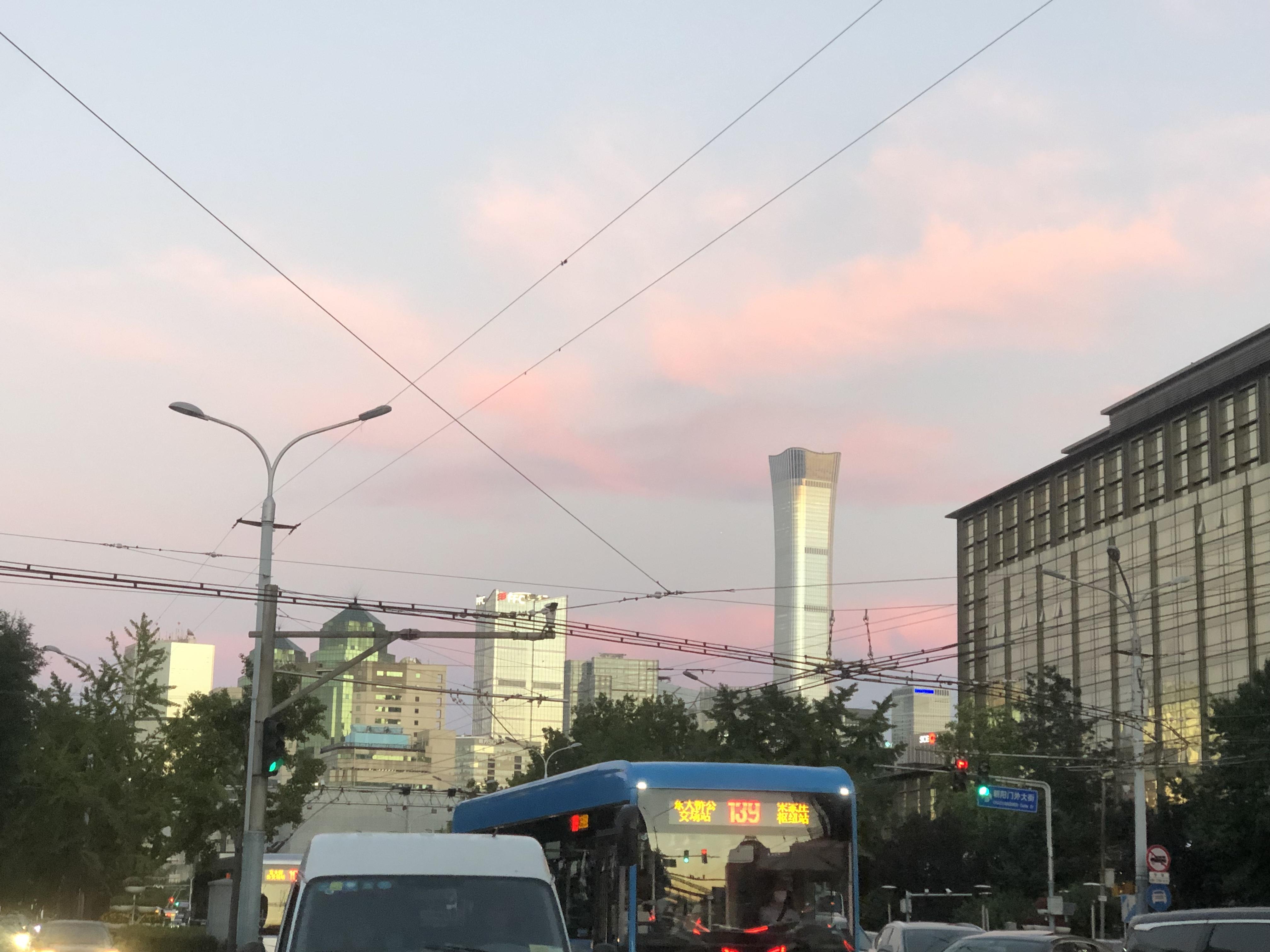 北京朝阳门外