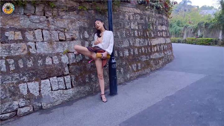 超火宜家门女主角未流出▌Fullfive ▌路边台阶zw被路人看到香艳无比[1V/660MB]