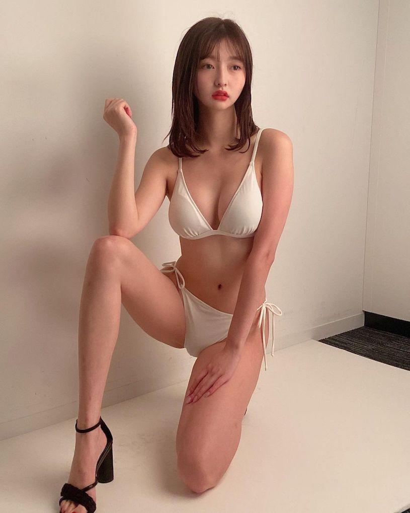 混血美女@桥本萌花mocaもかころん肤色内衣性感写真图片
