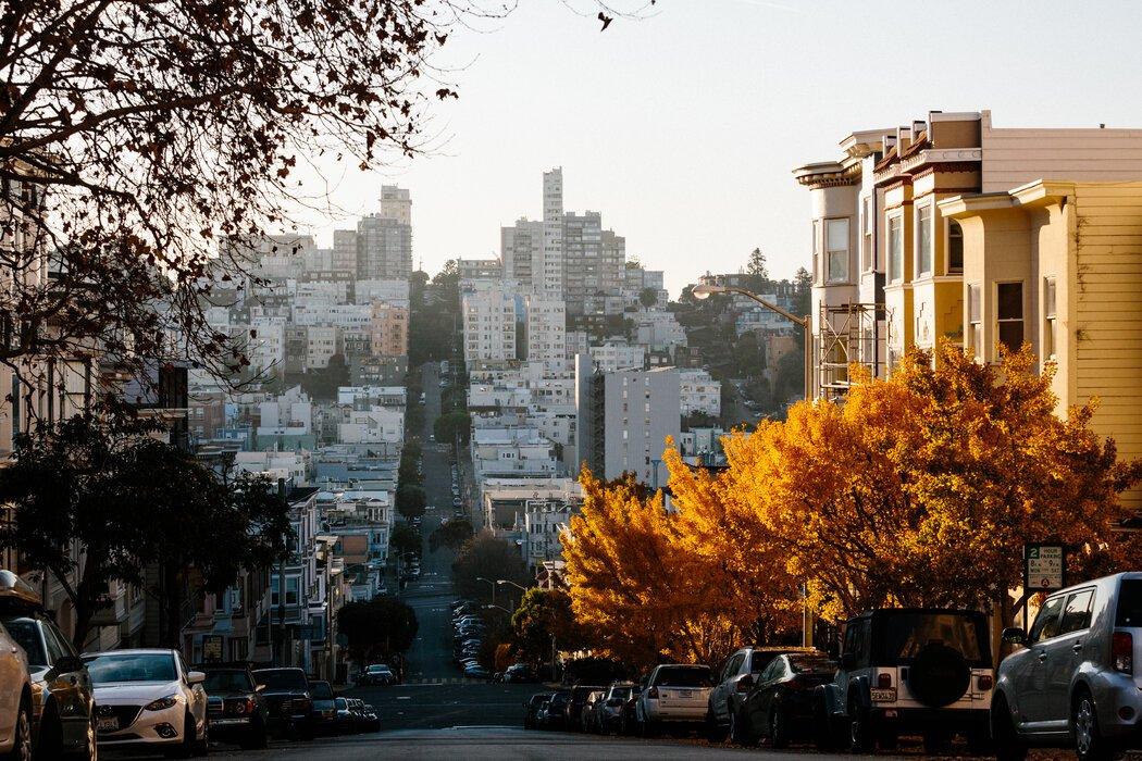 """旧金山科技行业的新富们正在迁往位于太平洋高地等的""""战利品产业""""社区。"""