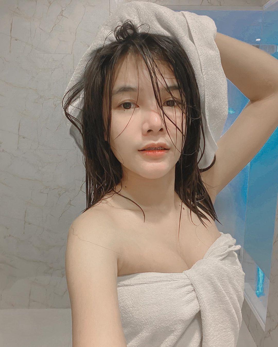 泰国大胸女神Weawtha紧身衣辣晒邪恶曲线 妹子图 热图5