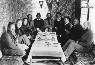 西藏与希特勒:纳粹科学家在喜马拉雅地区寻根的故事