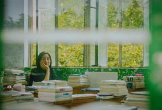 《一直游到海水变蓝》:作家视角里的中国