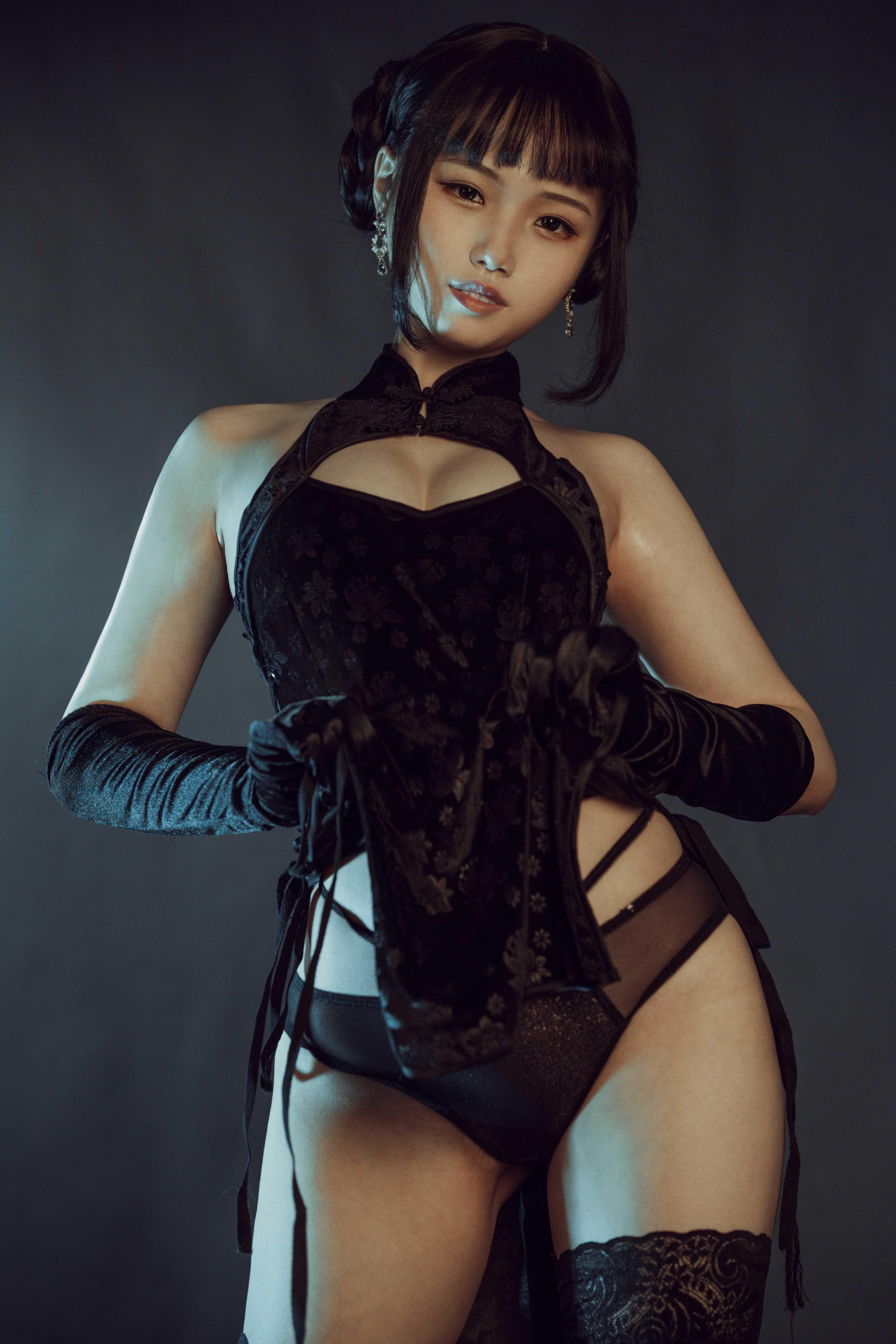 ⭐cos套图⭐七月喵子@coser图片-黑旗袍32p插图1