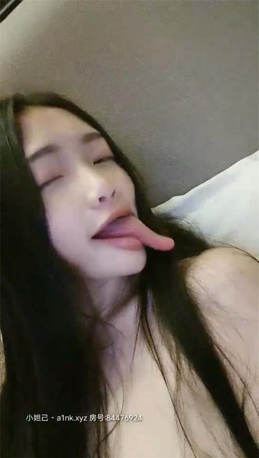 图片[2]-粉嫩小萝莉@旺仔牛逼糖 尺度福利秀 [7V/4.69G]-醉四季