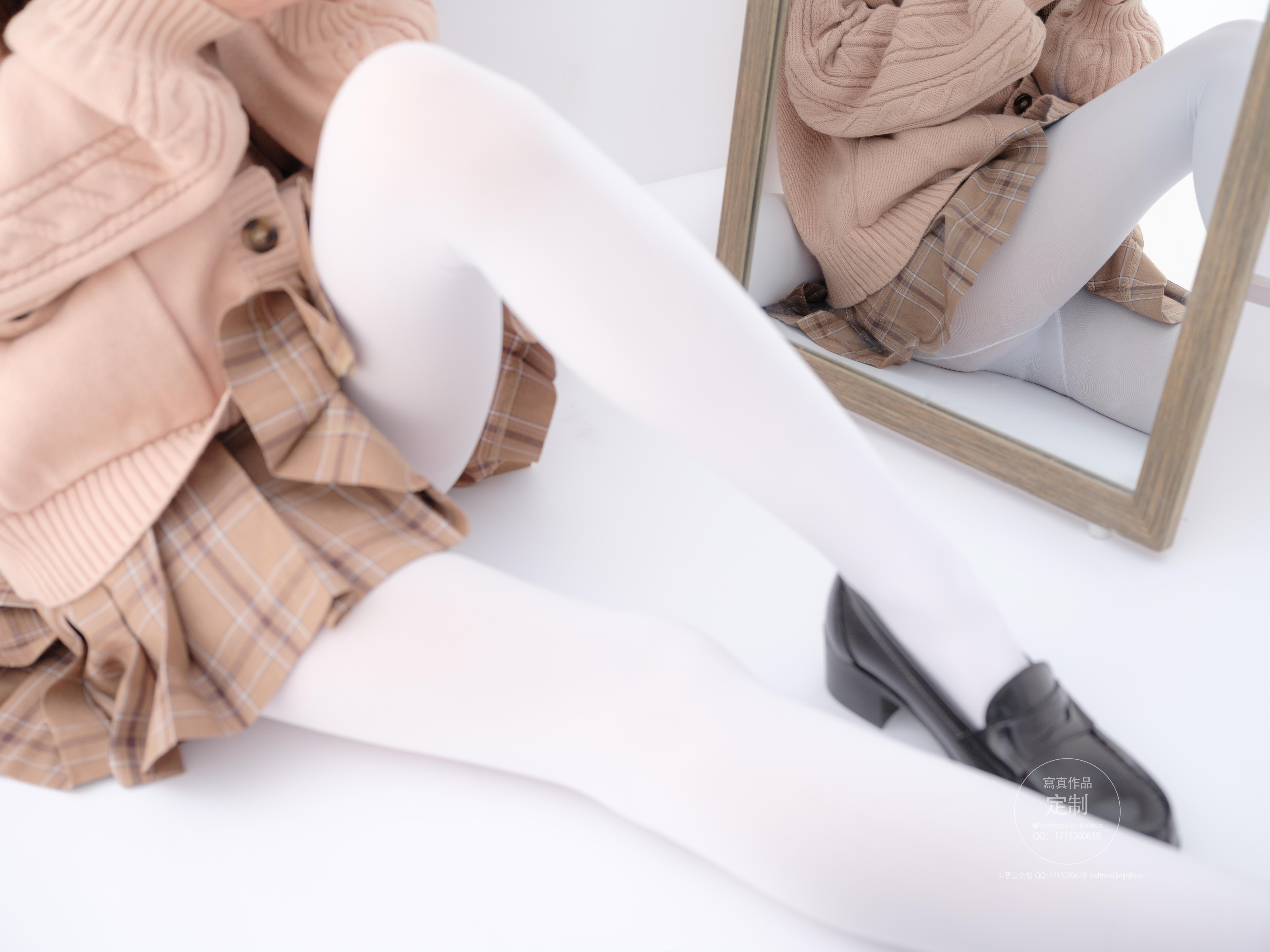 紧急企划 018 白色毛衣写真作品在线欣赏-觅爱图