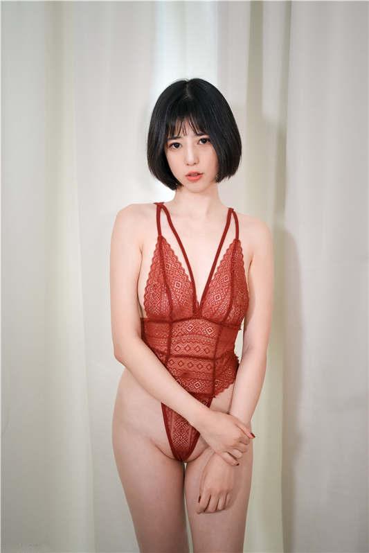高颜值美女『谭儿』定制 – 情趣中国红[47P/1V/542MB]