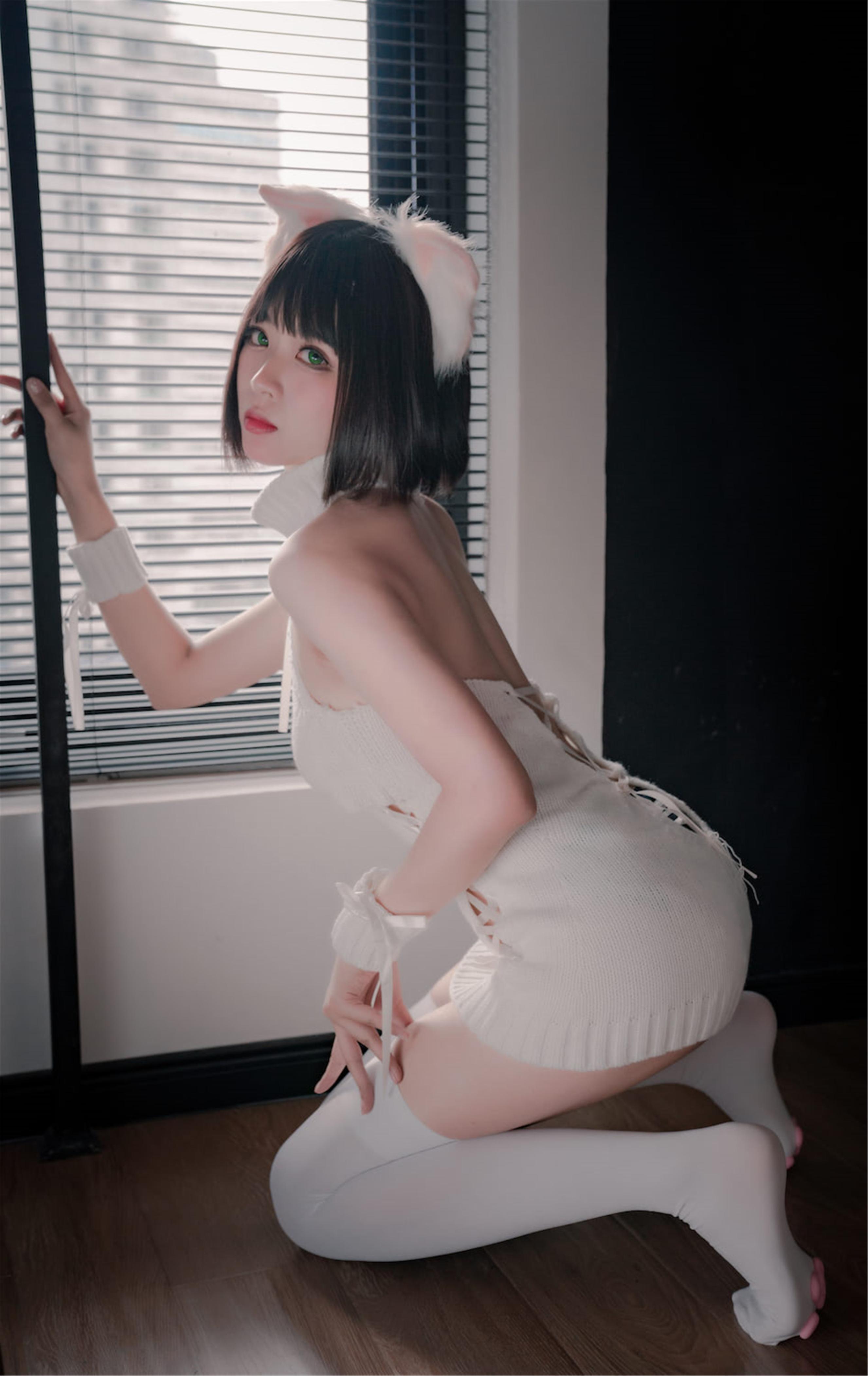 轩萧学姐 猫爪袜主题COS作品在线欣赏-觅爱图