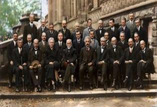 """物理史上的""""众神荟萃""""——索尔维会议"""