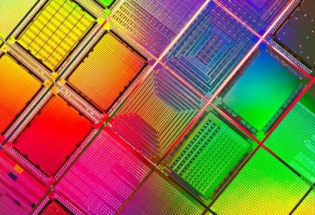 "IBM成功研发高端、节能芯片, 未来手机可能只需""四天一充"""