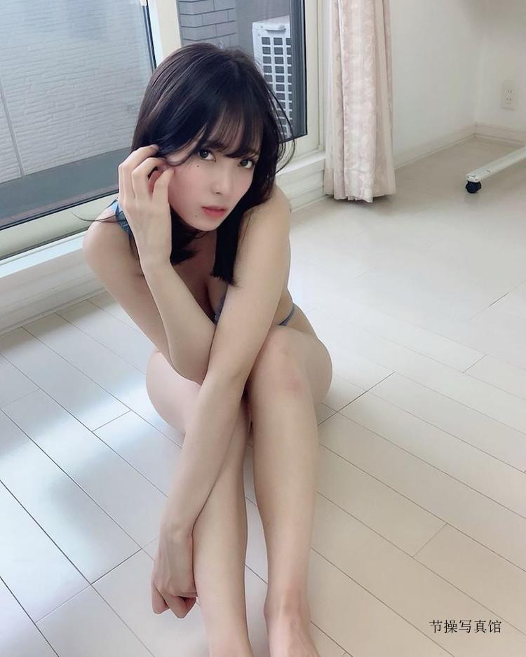 中峰みあMia Nakamine个人资料 衣服下拉诱惑胸型图片 节操写真馆 热图2