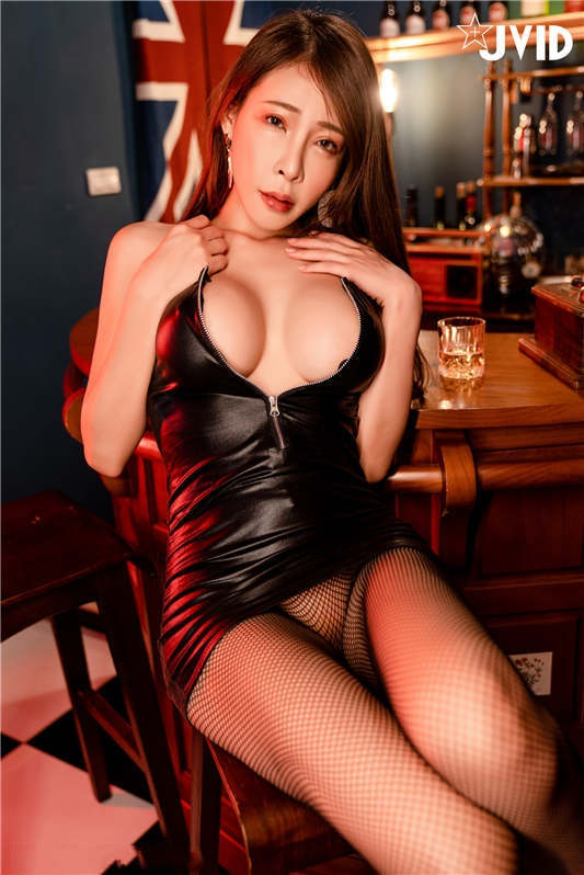 JVID顶级爆乳女神▌雨橙▌单身娃娃去酒吧猎艳反被捡尸[224P/1V/1.15G]