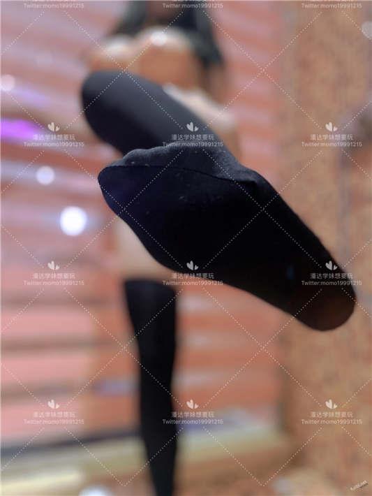图片[2]-工口糯米姬 新作 – 童颜巨乳长筒袜[63P/2V/501MB]-醉四季