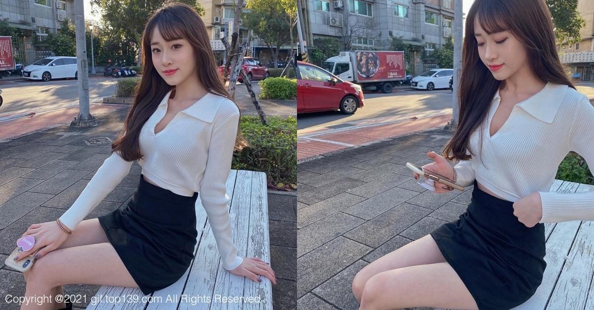 公园偶遇短裙美女,黑色紧身裙让人目不转睛!