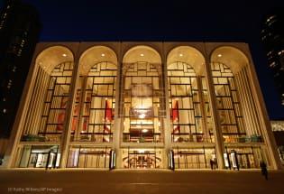 美国各地歌剧院恢复现场演出