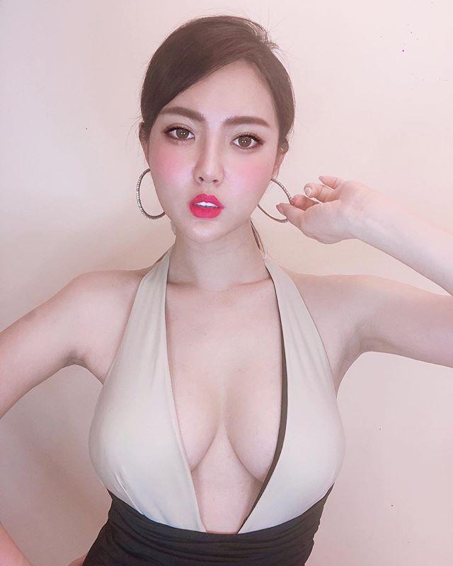 川奈栞(Shiori Kawana)近照曝光,美胸马甲线全都露 作品推荐 第8张