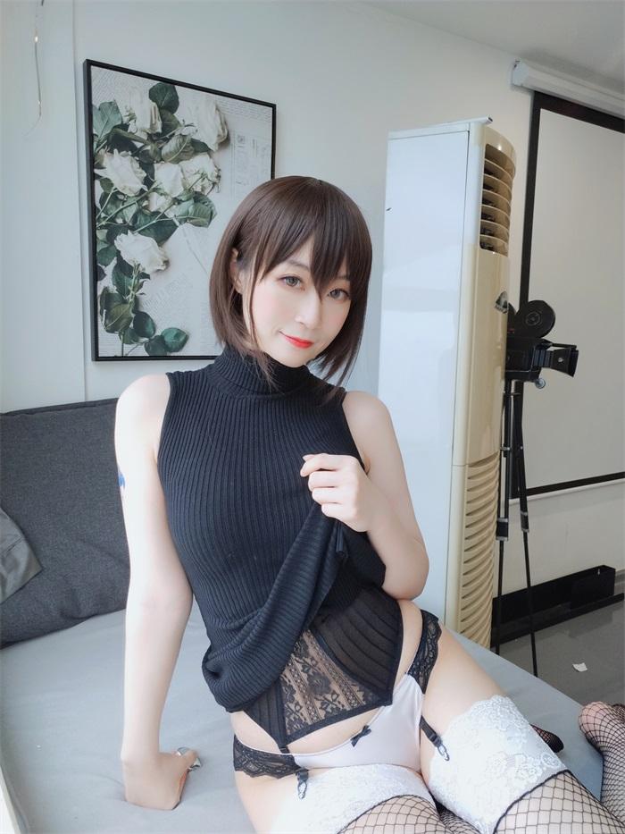 ⭐微博红人⭐白银81@写真cos黑色包臀裙[35P/2V/305MB]插图1