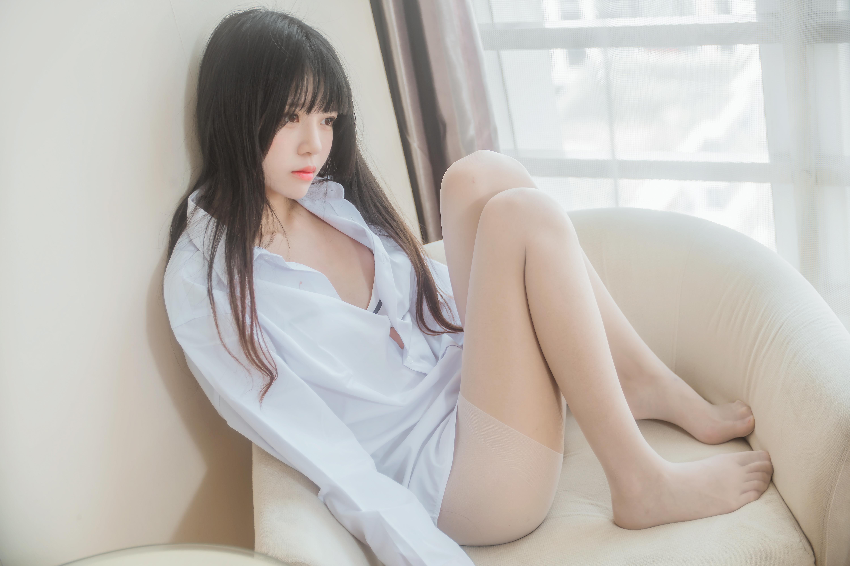 【桜桃喵】桜桃未熟 白衬衫散发